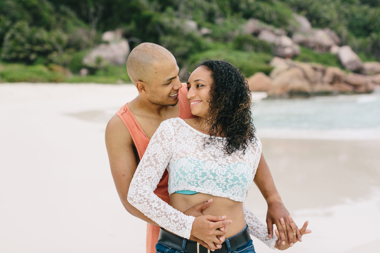Seychelles_LaDigue_Couple_005.jpg