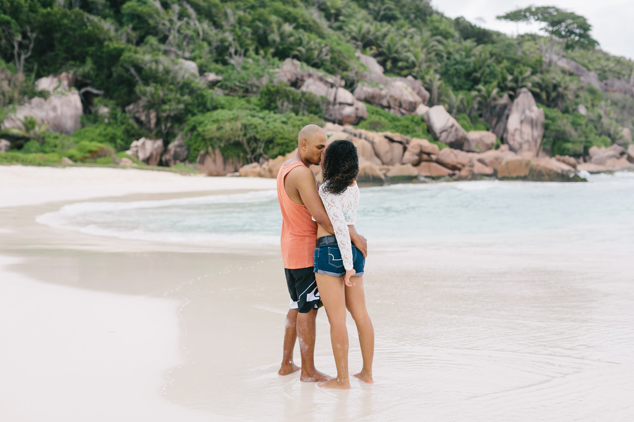 Seychelles_LaDigue_Couple_010.jpg