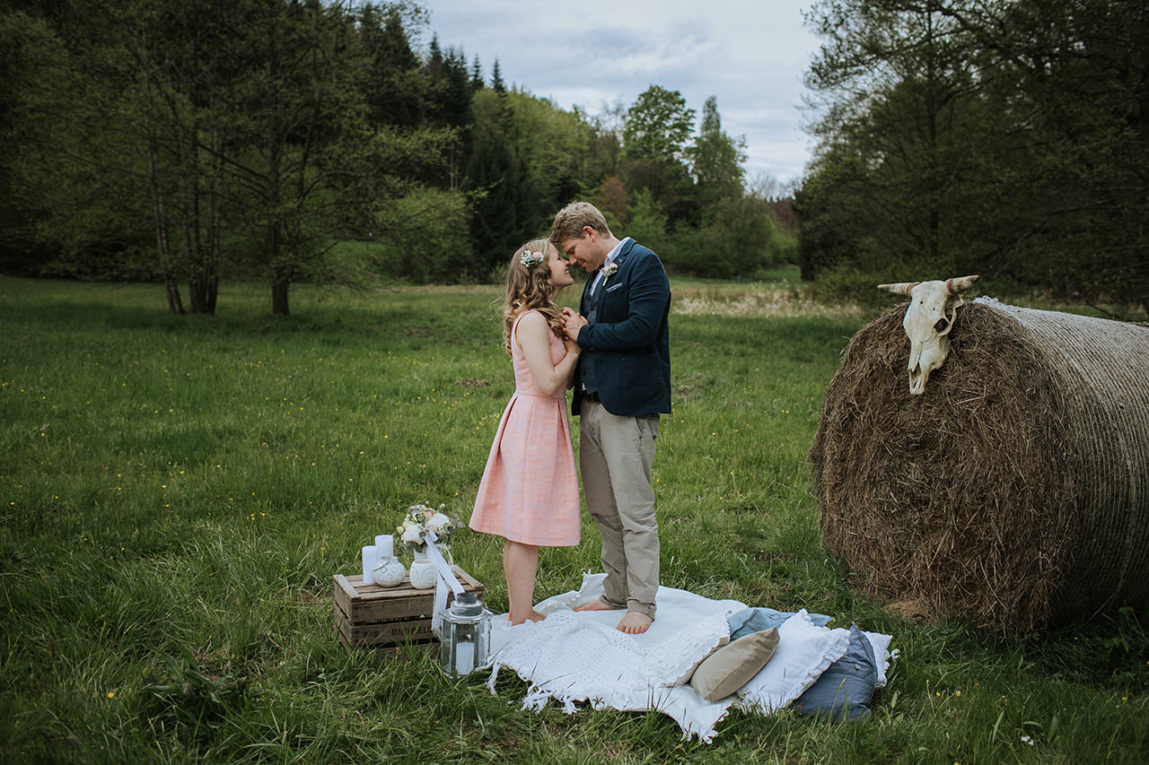 Elopement_Picknick_Bad_Herrenalb_031.jpg